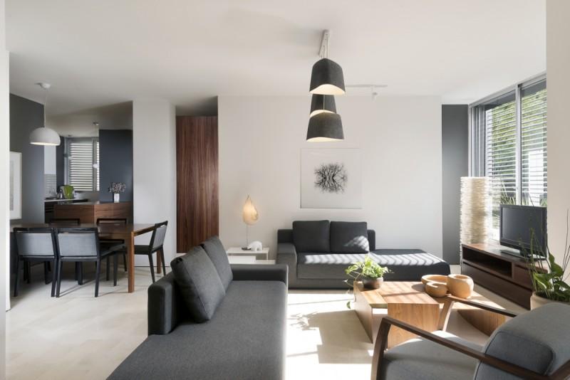 המניע לעיצוב הדירה הוא המחשבה על צרכי המשתמשים בה ויצירת פתרונות פונקציונליים, אדריכל גל טבת, צילום: גדעון לוין